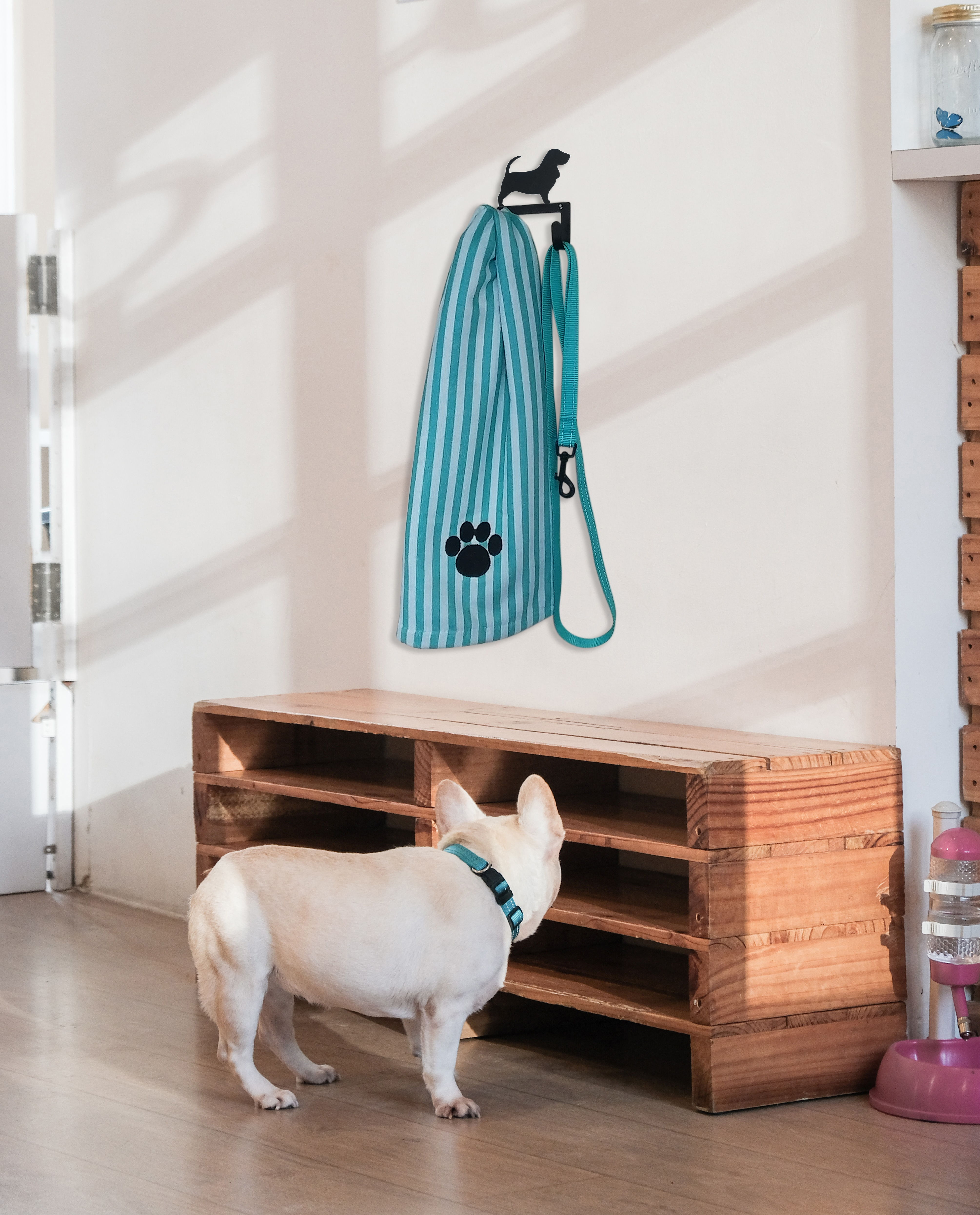 NEW -Basset Hound- Leash and Collar Wall Hook